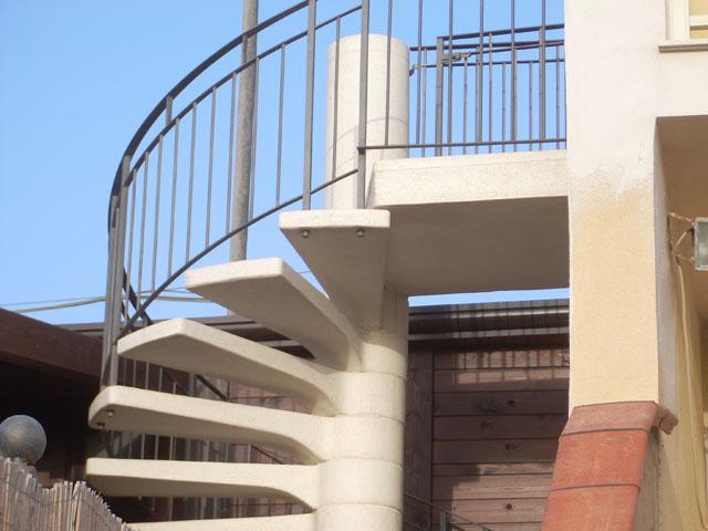 Scale a chiocciola scale di pira - Scale da esterno in muratura ...
