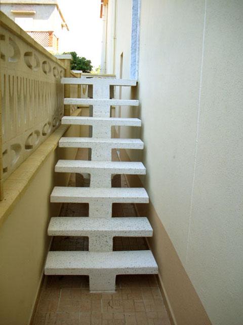 Scale a sbalzo scale di pira - Scale rivestite in legno per interni ...