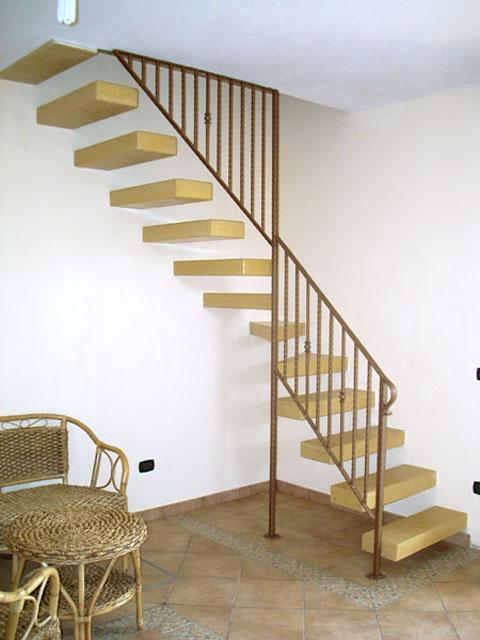 Scale a sbalzo scale di pira for Gradini in legno prezzi